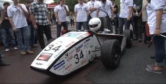 'Yerli Formula' Aracını Tanıttı