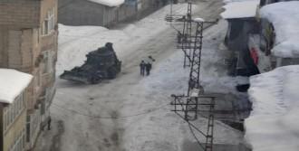 Yüksekova'da Hendek Operasyonu