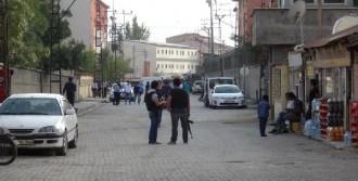 Yüksekova'da Şüpheli Paket Alarmı