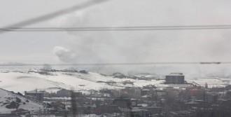 Yüksekova'da Mahallelere Girildi