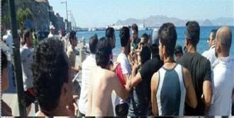 Yunanistan'da 2 Türk Tutuklandı