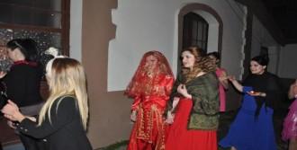 Yüz Nakilli Sert Evleniyor