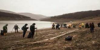 Badovça Gölü'nü Temizlediler
