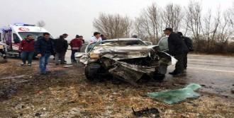 Zile'de Kaza: 2 Ölü, 3 Yaralı