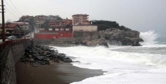 Zonguldak'ta Kar 130 Köy Yolunu Kapattı