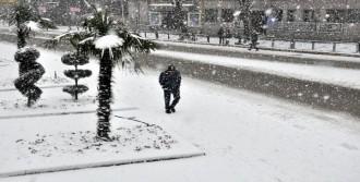 Zonguldak'ta Kar Yaşamı Olumsuz Etkiledi