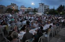 Menderes'te ilk iftar gerçekleşti