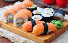100 tabak suşi yiyince restorandan yasak geldi!