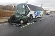 Yolcu otobüsü kaza yaptı: Aynı aileden 3 ölü