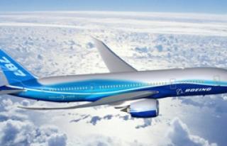 Kadın Pilot Yolcuyu Uçaktan Attı