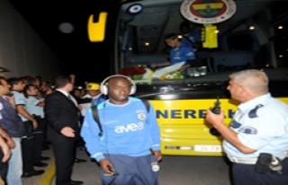 Fenerbahçe'ye Şampiyon Gibi Karşılama