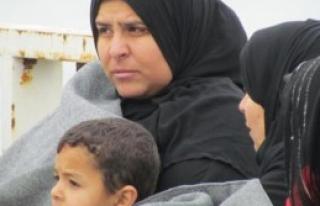 Çeşme'de 70 Mülteci Yakalandı