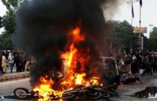 ABD'den Bombalı Saldırı: 10 Ölü
