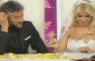 Songül Karlı Canlı Yayında Evlendi