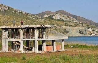 Belediye mühürledi ama inşaat devam ediyor