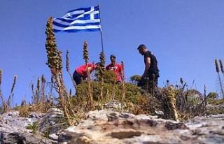 Yunan bayrağı diktiler, SAT komandoları botlarla...