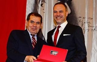 Galatasaray'da sürpriz ayrılık