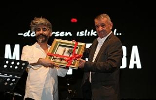 Gaziemir'de Manuş Baba rüzgarı