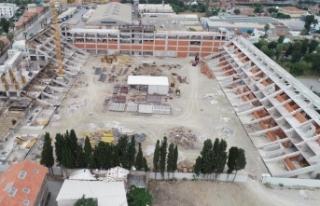 Alsancak Stadı'nın yüzde 50'si bitti
