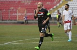 Altay, Sırp oyuncuların peşinde!