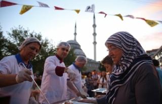 Buca'yı Ramazan heyecanı sardı: 20 bin insan...