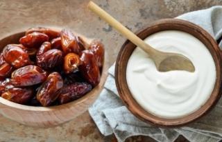 Göbek yağlarına, hurma ve yoğurtla veda edin