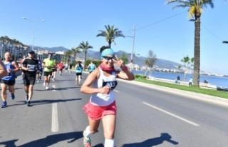 İzmir'de 19 Mayıs ruhu: 1000 atlet Ata için...