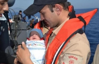 Kundaktaki bebekle umuda yolculuk
