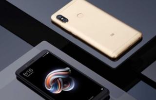 Xiaomi Mi 8'in resmi posteri, fiyatı ve özellikleri...