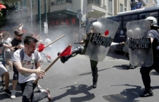 Yunanistan'da genel grev hayatı felce uğrattı