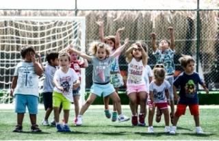 Arkas Çeşme Site Spor ile hareketli bir yaz