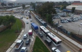 Bostanlı'da 'köprü trafiği'ne neşter!