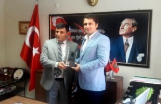 CHP İzmir'den şehit ve gazi ailelerine ziyaret