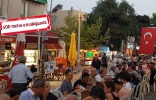 AK Parti Foça'dan dev iftar sofrası