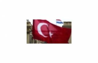 Hollanda'dan Türklere yasak!