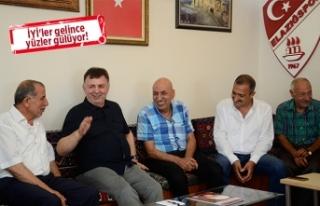 İYİ Partili Ulupınar'dan STK ziyareti