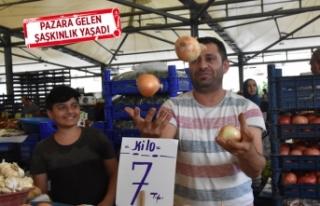 İzmir'de patates ve soğan el yakıyor!