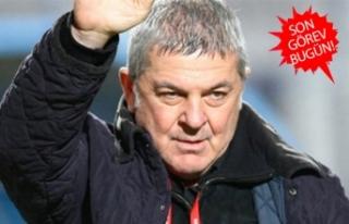 İzmirli ünlü teknik direktör Ümit Kayıhan yaşamını...