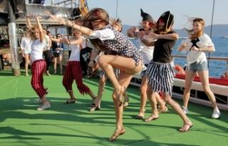 Rus ve Ukraynalı turistler Bodrum'a akın etti