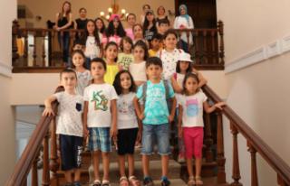 Bayraklılı öğrenciler Atatürk Müzesi'ni...