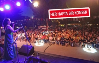 Karşıyaka'da parklar müzikle şenleniyor