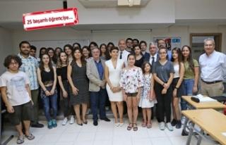 Karşıyakalı gençlere Fransızca eğitim