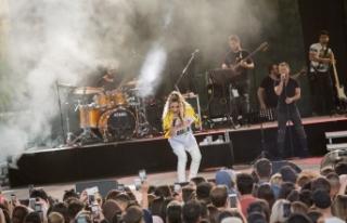 Ünlü şarkıcıdan Beyonce tarzı