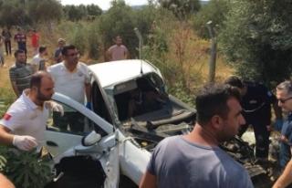 İzmir'de tren otomobile çarptı, yolcular dehşeti...