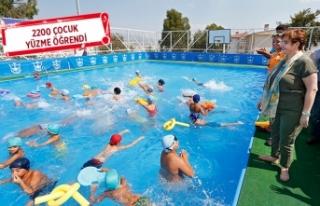 Konak'tan yüzme kurslarına eğlenceli final