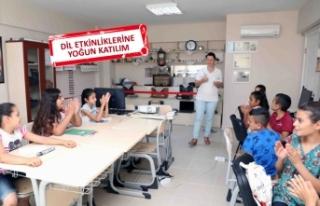 Suriyeli çocuklar, Bayraklı'da Türkçe öğreniyor