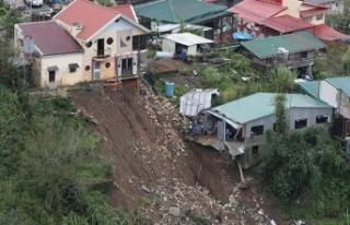 Çin'de Mangkhut tayfunu nedeniyle kırmızı alarm!