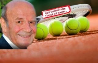 İzmir'in en iyi tenisçileri, Küçük Kulüp'te...