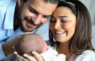 '1 günlük bebeğe sosyal medya hesabı açılır...