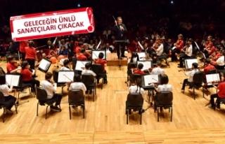 Bornova, 'çocuk senfoni orkestrası'yla...